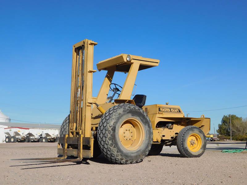 MASTER CRAFT 4000# Forklift