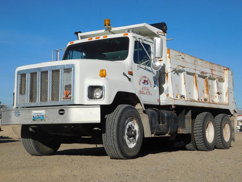 INT'L 2674 Dump Truck