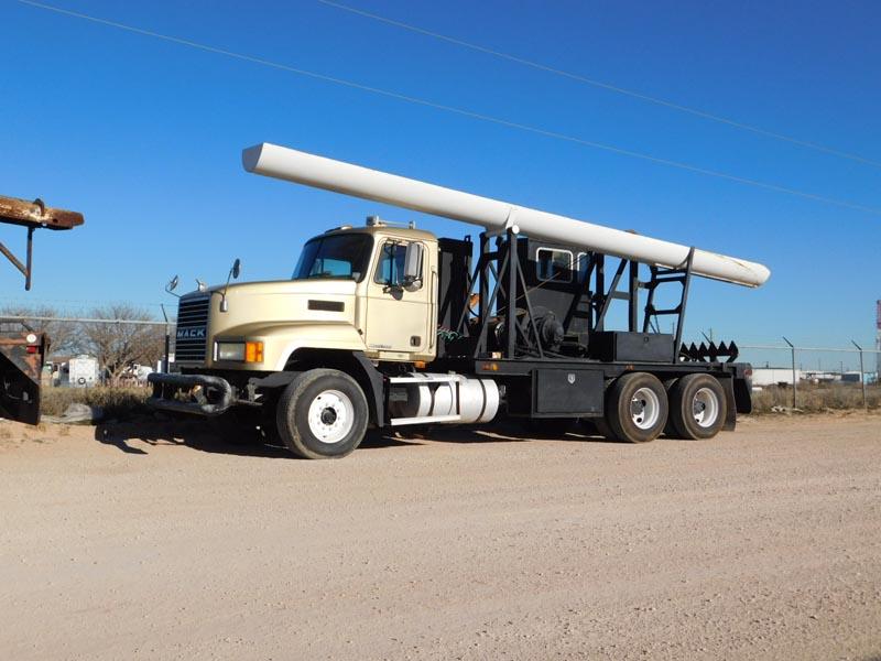 2001 MACK CH613 Laydown Truck – DY1 YD1