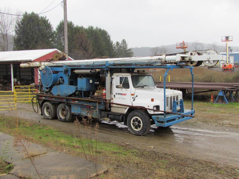 WALKER-NEER 33A Well Service Rig – YD1