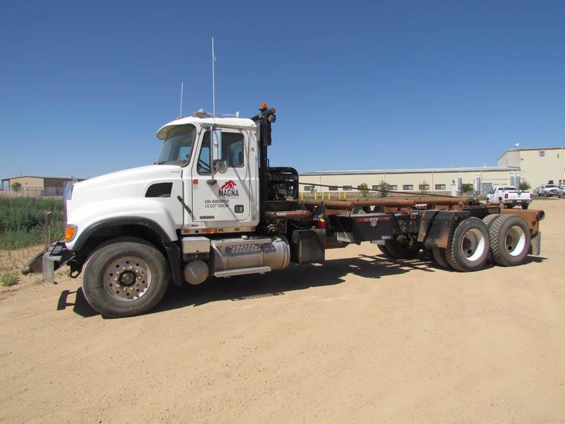 """2003 MACK CV-713 Bed Truck w/280""""WB – YD1"""