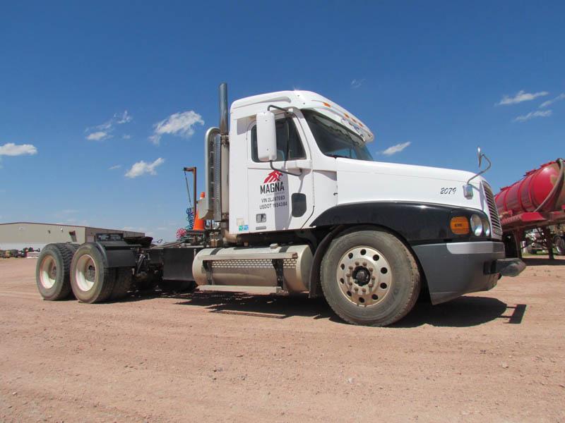 2002 FREIGHTLINER Truck Tractor – YD3