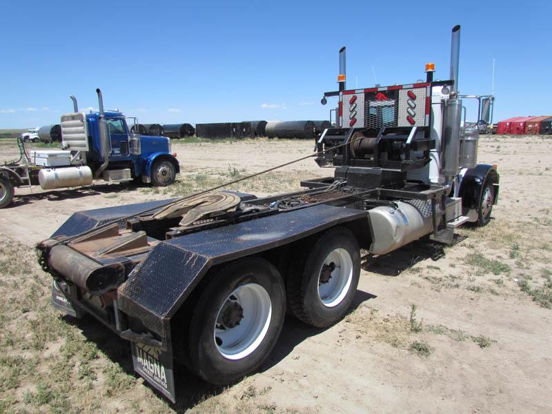 2005 PETE 378 Winch Truck – YD2
