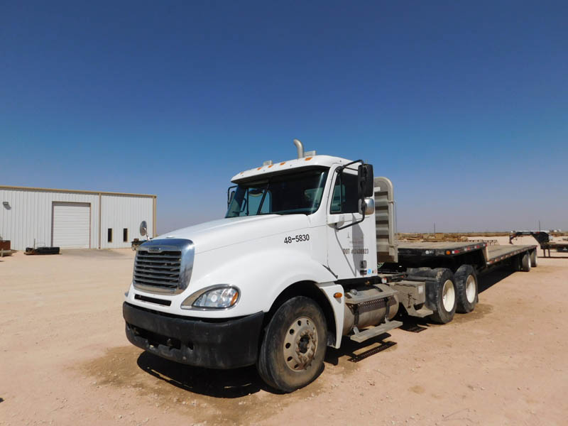 2005 FREIGHTLINER Haul Truck – YD2
