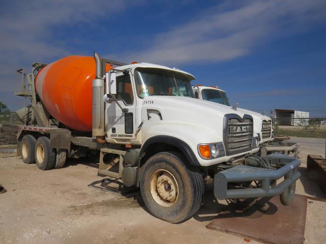 (1 of 2) 2007 MACK Cement Mixers
