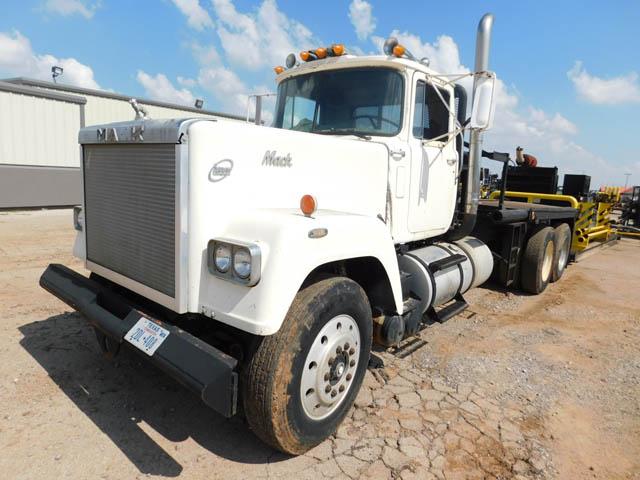 MACK Winch Truck – DY2 YD1