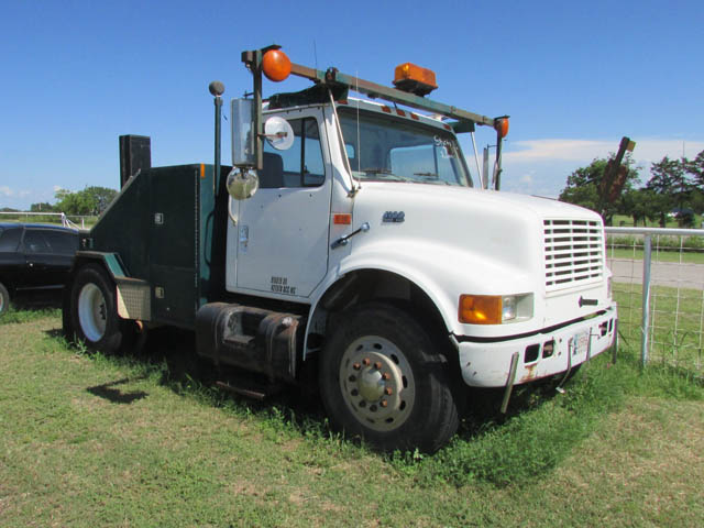 '99 INT'L Tow Truck – DY2 YD3
