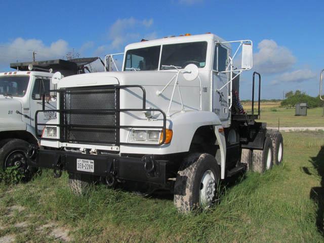 '92 FREIGHTLINERr Winch Truck – DY2 YD7