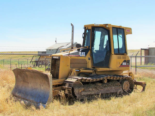 CAT D5 Crawler Tractor – DY1 YD5