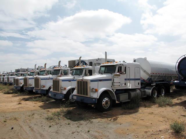 PETE 367 Haul Trucks – DY2 YD4