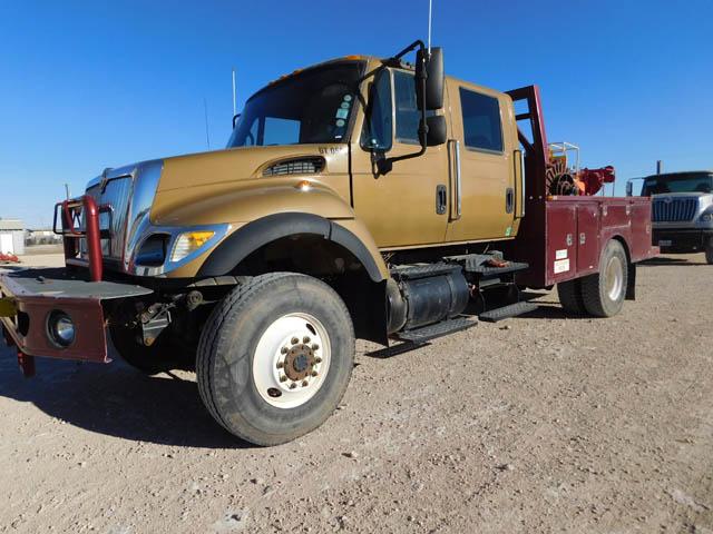 2004 INT'L 7300 Truck – YD1