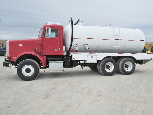 PETE 357 100-Bbl Vacuum Truck – YD1