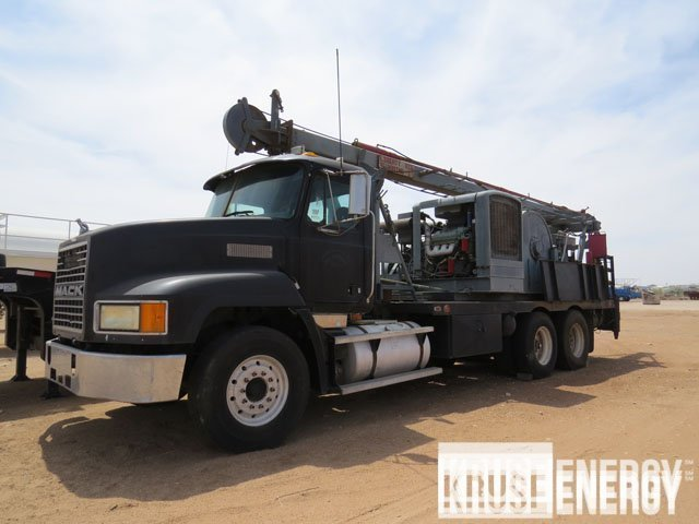 Swab Rig On '98 MACK – DY1 YD1