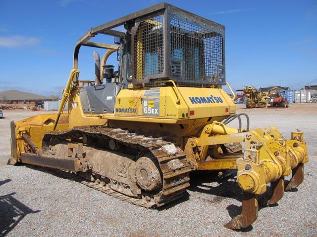 (1 of 2) KOMATSU D-65EX Crawler Tractor – DY2 YD2