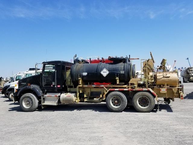 '00 KENWORTH T-800 Body Load Pump Truck – DY3 YD1