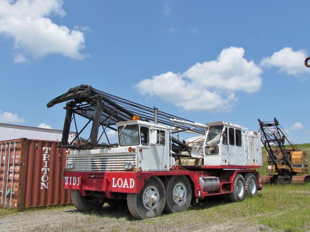 LINK-BELT HC218 82-Ton Crane – DY1 YD6