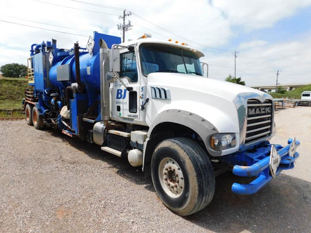 2012 MACK T/A Body Load Pump Truck – DY1 YD1