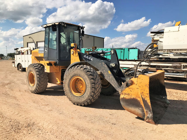(1 of 2) J.DEERE 444K Wheel Loader – DY1 YD1