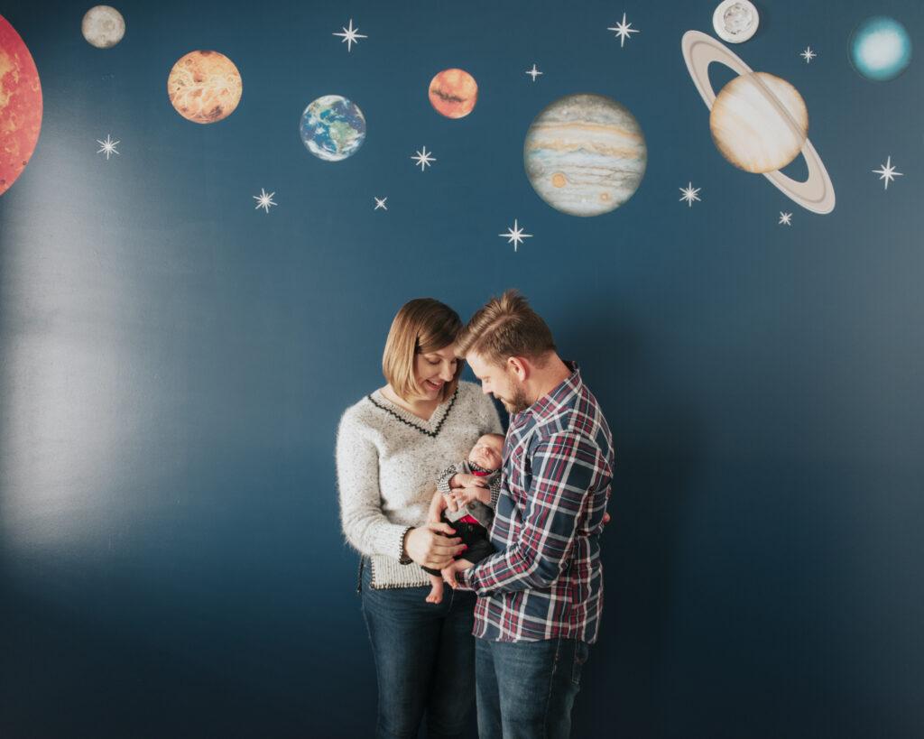Newborn portraits in nursery | Stephanie Acar Portraits