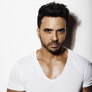 "Global Super Star Luis Fonsi Sits With BMI to Talk Smash Hit ""Despacito"" and Much More! / Luis Fonsi habla con BMI sobre Despacito"
