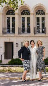 Las Tres Damas detrás de Bienes Raíces en Coral Gables