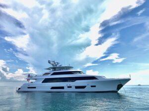 Yate Destacado / Featured Yacht WESTPORT 112' | 34M