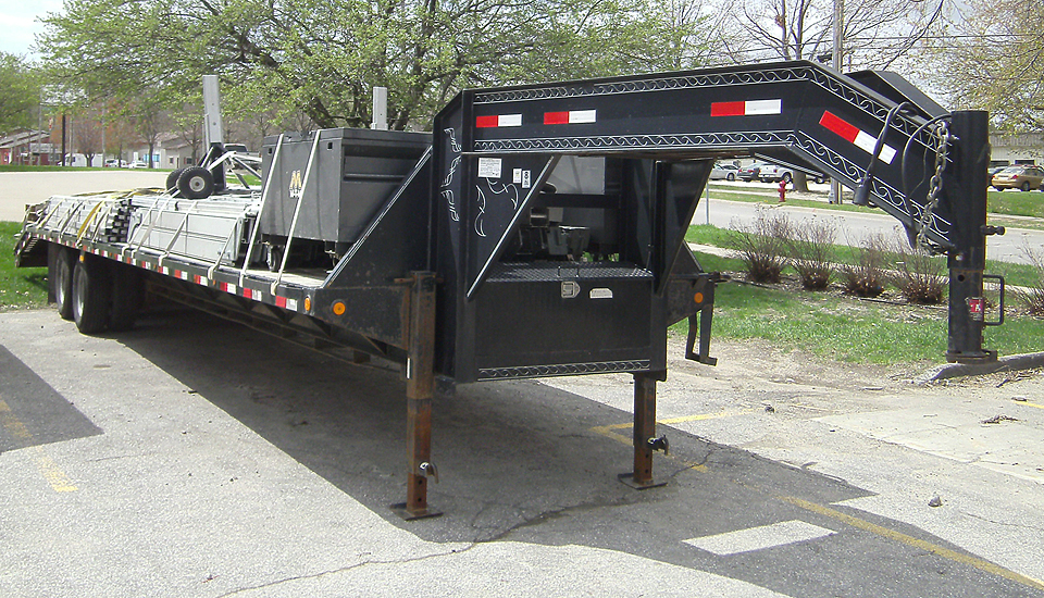 Gooseneck flatbed Trailer (items not included with rental)
