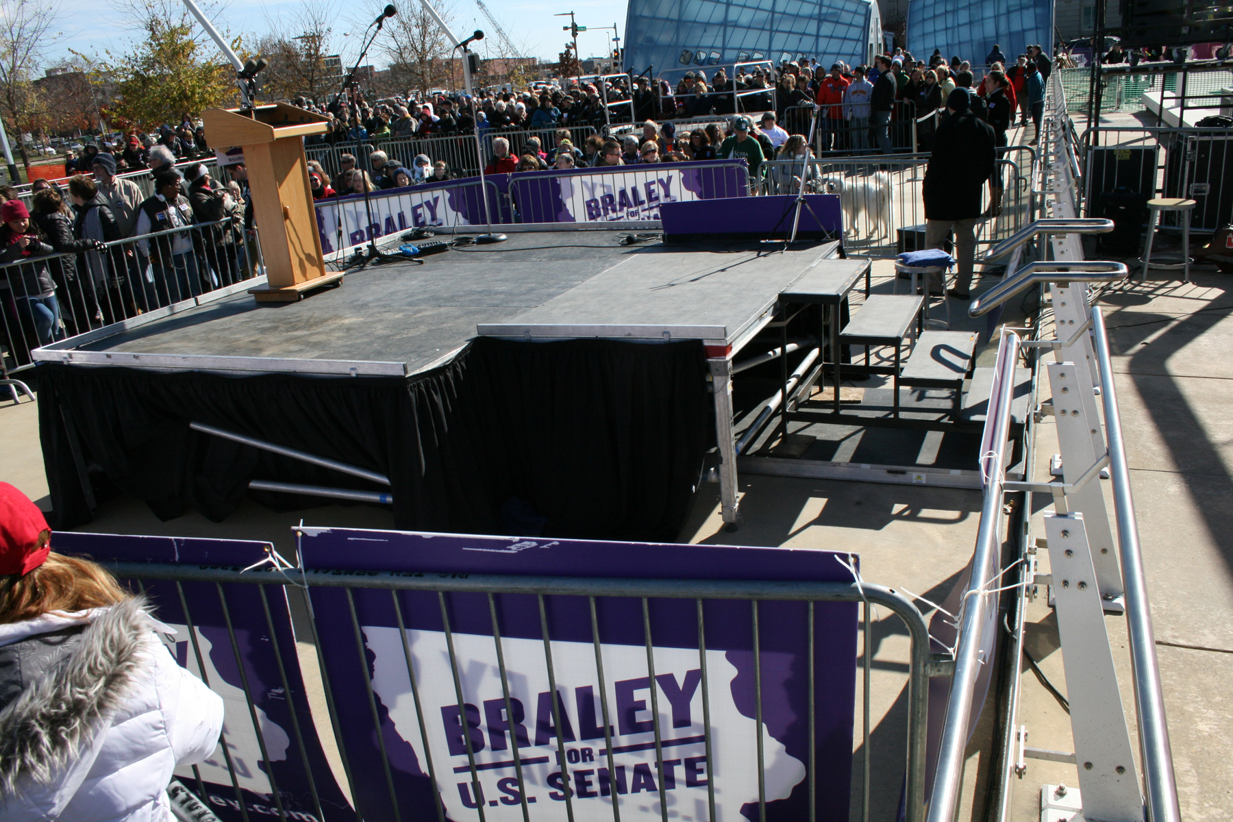 Political rally stage rental