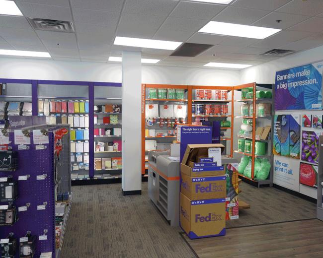 FedEx Displays