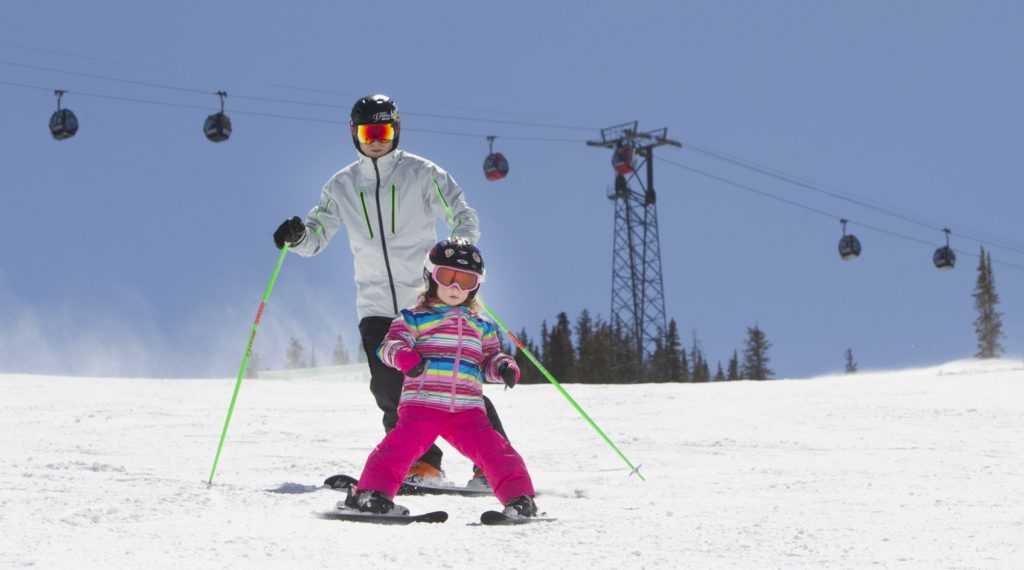 father-daughter-ski-action-8882