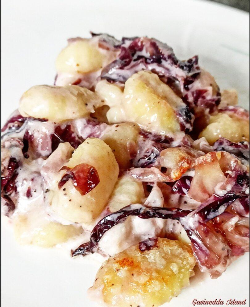 Gnocchi di patate con radicchio