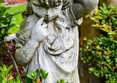 garden tour statuary girl