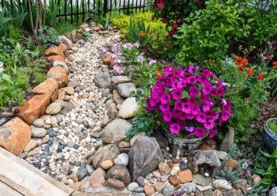garden tour pebble pathway