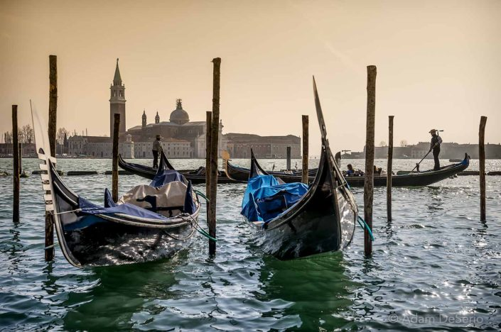 Gondola Tide, Venice