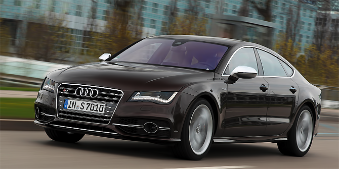 """Audi S7 wins """"Connected Car of the Year"""" Award 2013"""