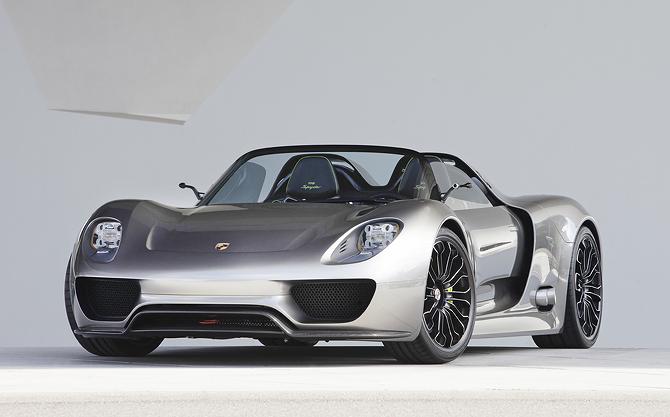 Video of the Porsche 918 Spyder Hybrid