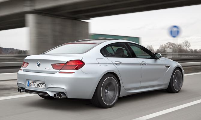 BMW M6 takes to the Autobahn