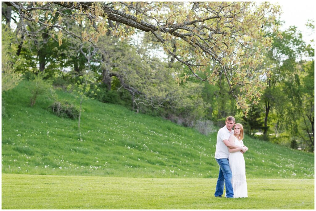 10 Year Anniversary Photo Session | Couples Poses | Engagement Poses | Pasture Session | Iowa Wedding Photographer | CB Studio