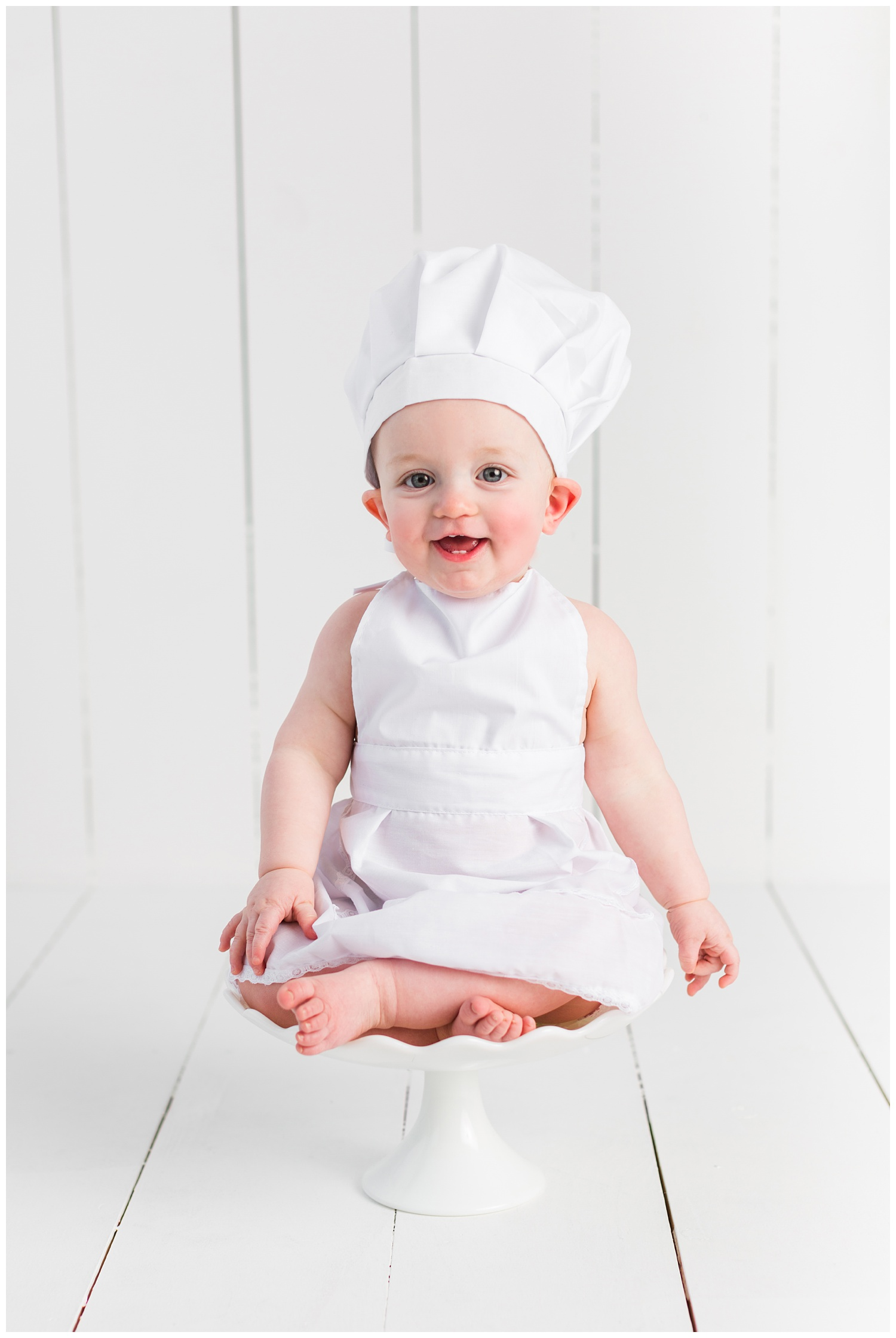 Baking theme baby sitter session | Iowa Baby Photographer | CB Studio