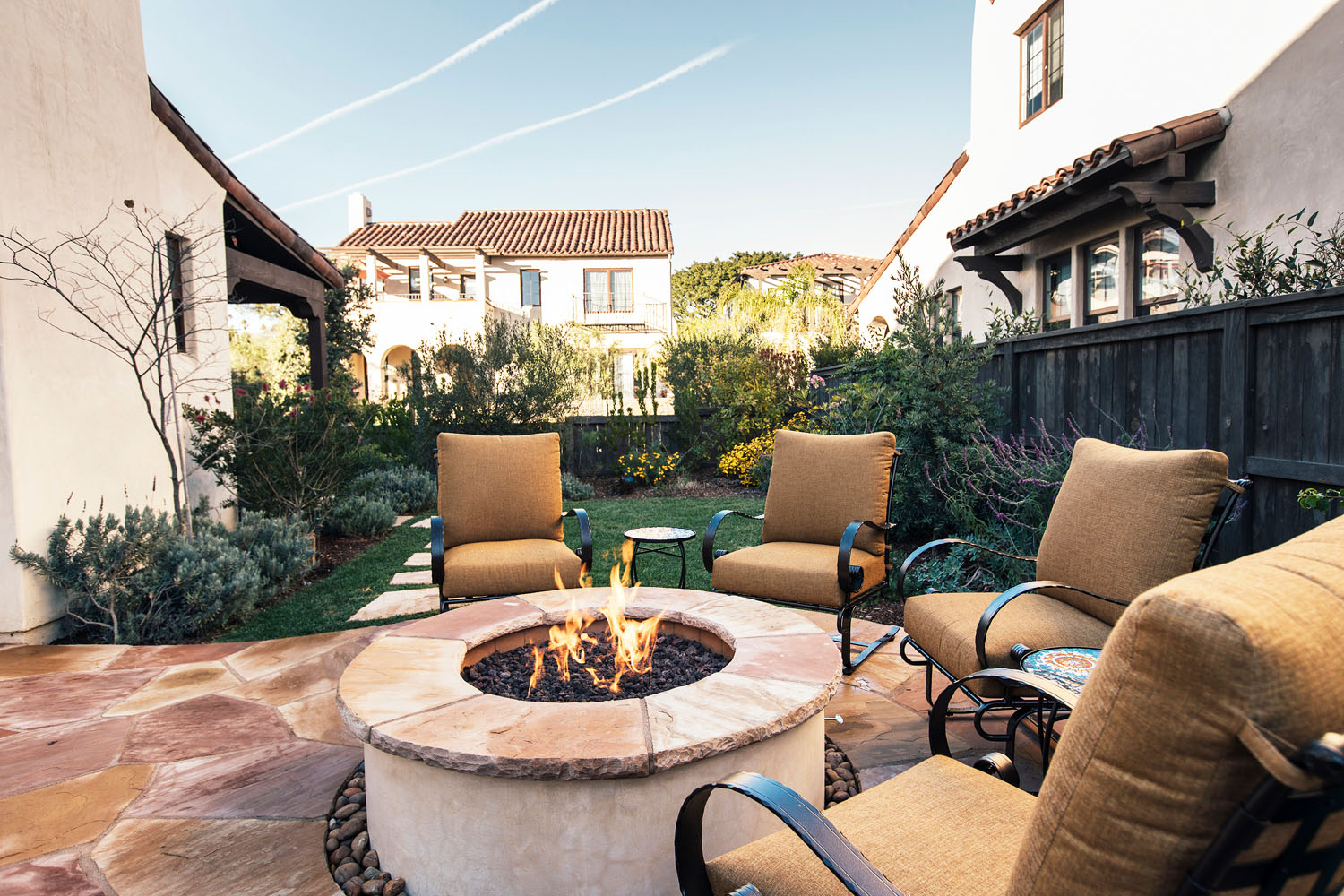Outdoor Fire Pit and Flagstone Patio