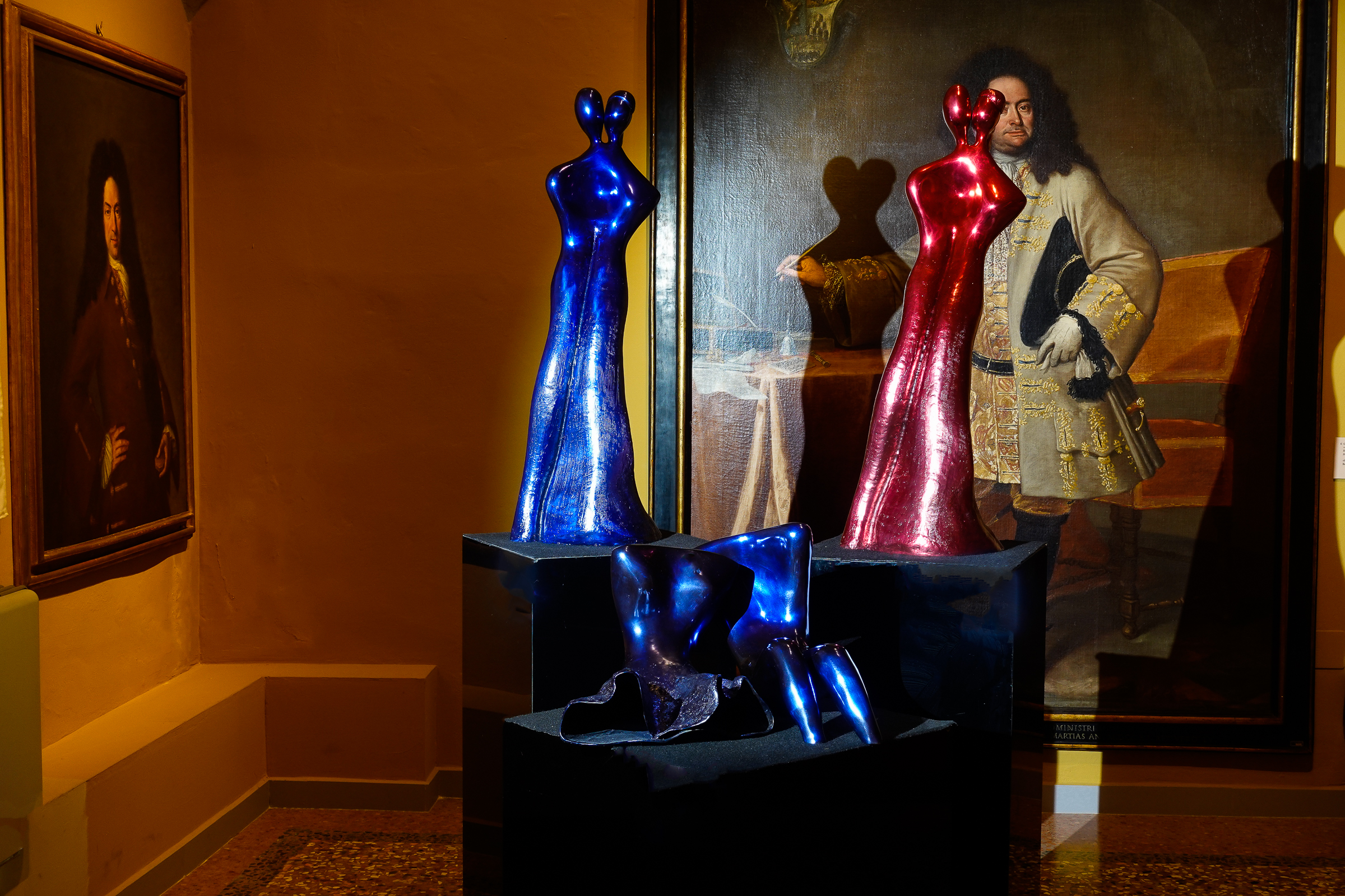 Soulmates, sculptures by Beatriz Gerenstein at the Museum La Quadreria in Bologna Italy