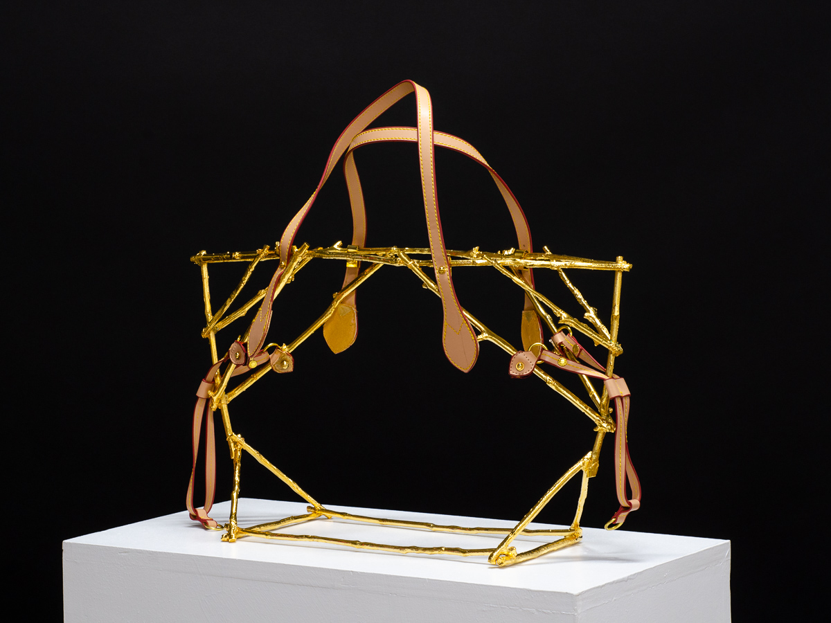 Sculpture by Beatriz Gerenstein. Handbag made in Bronze, 24K Gold, with leather straps, and accessories