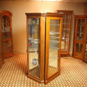 Curios/Cabinets
