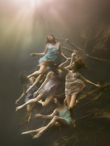 Lexi-Laine-photography-underwater-models-figures
