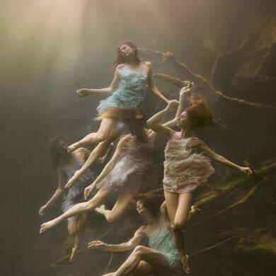 Lexi-Laine-photography-underwater-models-figures