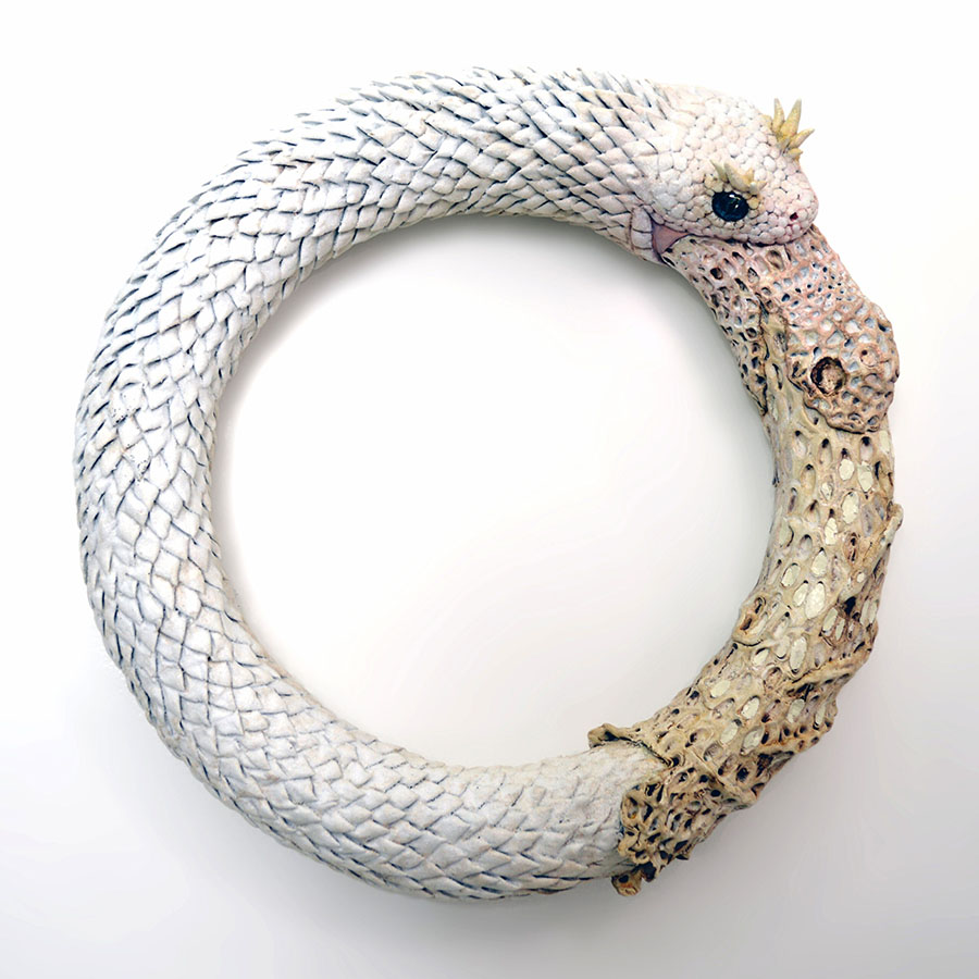 Sarah-Lee-sculpture-snakes-infinity