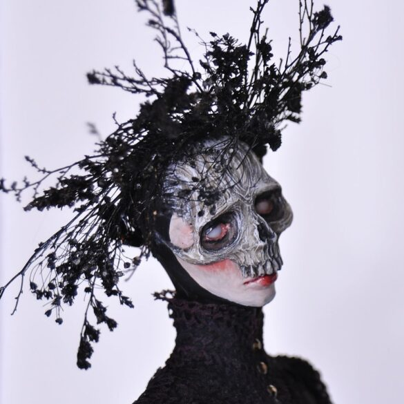 Jessica-Dalva-dark-skull-mask-sculptures