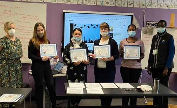 Photo of IET Students with Certificates