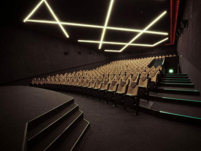 """""""28 CINEMA"""" Kinoteatrı"""