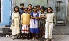 Born Into Brothels: Calcutta's Red Light Kids (Nascidos nos Bordéis) - 2004